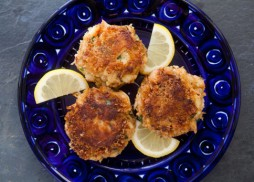 crab-cakes-520-a
